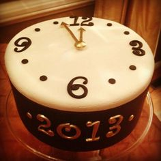 New Year's Eve Cake - by Elisabeth @ CakesDecor.com - cake decorating website