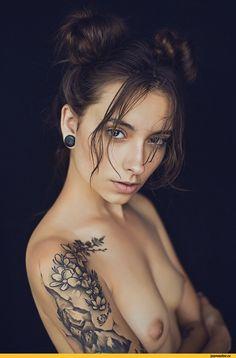 Эротика,красивые фото обнаженных, совсем голых девушек, арт-ню,татуировки