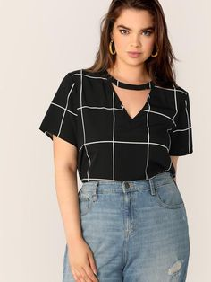 Color:                                                    Black Details:                                                    Button, Cut Out Fabric:                                                    Fabric has no stretch Fit Type:                                                    Regular Fit Length:                                                    Regular Composition:                                                    100% Polyester Neckline…