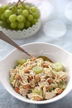 Sałatka z kurczakiem i winogronami Party Snacks, Fried Rice, Italian Recipes, Potato Salad, Grilling, Food And Drink, Appetizers, Baking, Ethnic Recipes