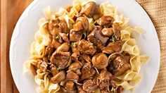 Strogonoff Serious Eats, Kung Pao Chicken, Dog Food Recipes, Brunch, Food And Drink, Healthy Eating, Beef, Dishes, Suppers