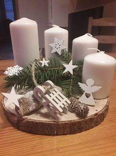 Handmade Christmas Decorations, Christmas Tree Themes, Christmas Centerpieces, Christmas Lights, Christmas Wreaths, Christmas Feeling, Simple Christmas, Christmas Time, Vintage Christmas