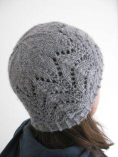 Cladach hat free knitting pattern by Littletheorem. Lace knitting chunky alpaca