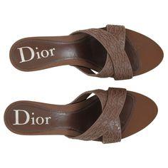 Mules Dior www.jolicloset.com  #mules #dior #luxe #mode #fashion #paris #chaussures #sandales