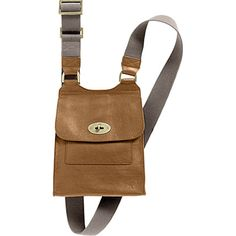 Love my Mulberry Antony small messenger. Women Accessories, Fashion Accessories, Mulberry Bag, B Fashion, Small Messenger Bag, Christmas Gifts For Men, Beautiful Bags, Fashion Backpack, Totes