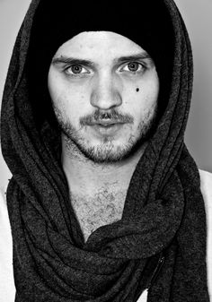Alexander Deleon is the most beautiful man on Earth. No debating. He is AMAZING. I've met him a couple times but meeting him 3000 more times would be lovely :)