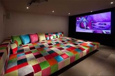 Theater room design home theater room ideas rooms design for well designs plans i cozy room . theater room design gorgeous custom home Home Cinema Room, Home Theater Setup, Home Theater Rooms, Home Theater Seating, Home Theater Design, Movie Theater, Home Theaters Pequenos, Sleepover Room, Small Home Theaters