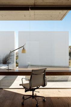 Modern Home Office // Floating linear wooden desk w/ glass, my dream work space. Architecture and Interior Design: Gavin Maddock Design Studio, Photo Adam Letch » CONTEMPORIST