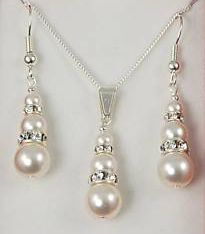 Pearl champagne necklace and earrings.