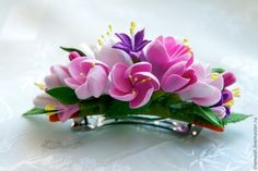 Fondant Flowers, Paper Flowers Diy, Clay Flowers, Handmade Flowers, Flowers In Hair, Polymer Clay Creations, Polymer Clay Crafts, Polymer Clay Jewelry, Pom Pom Crafts