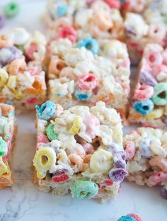 Froot Loop Rice Krispie Treats are a fun twist on the classic Rice Krispie Treats. Loaded with both Fruit Loops & Rice Krispie. They're crazy delicious! More from my siteFruit Loop Marshmallow Treats Rice Krispy Treats Recipe, Rice Crispy Treats, Krispie Treats, Froot Loops, Fruit Loop Treats, Recipes With Fruit Loops, Easy Delicious Recipes, Yummy Food, Cereal Treats