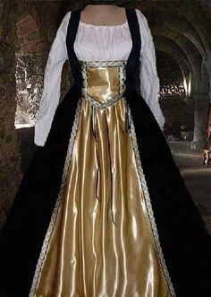 Renaissance Costume Medieval Gown Celtic Knot by camelots0closet, $62.00