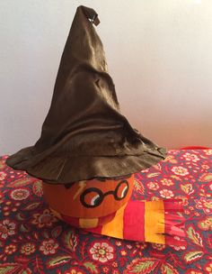 Harry Potter Painted Pumpkin w/Sorting Hat - Literary Character Pumpkin Pumpkin Contest, Pumpkin Ideas, Halloween Ideas, Halloween Party, Harry Potter Pumpkin, Character Pumpkins, Literary Characters, Sorting Hat, Painted Pumpkins