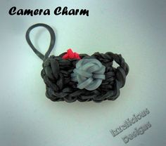 Tutorial on how to make a mini camera charm using the Rainbow Loom. Izzalicious Designs. This would be very cute as a doll accessory.