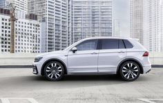 2016 Volkswagen Touareg side profile official image