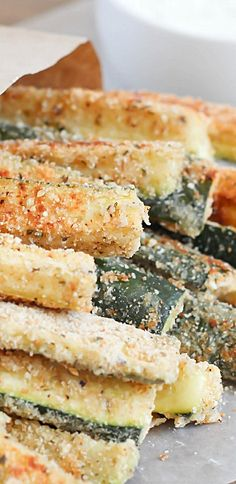 Baked #Zucchini Fries with yummy ranch dipping sauce – fun and easy side dish that's healthy and delicious!