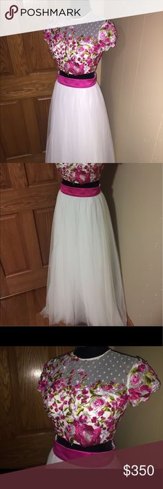 Sherri Hill Prom Dress size 0-2 perfect condition. paid $500 for it. two piece dress. Sherri Hill Dresses Prom