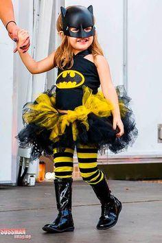 Children's Halloween Costume Contest Batgirl Tutu, so cute Costume Halloween, Costume Batgirl, Childrens Halloween Costumes, Cute Costumes, Super Hero Costumes, Baby Costumes, Halloween Kids, Costume Ideas, Batgirl Halloween