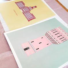 Flirten met*20 de klant Netjes inpakken er sticker erop. Posters zijn 40x50cm. Posters, Stickers, Studio, Poster, Sticker, Studios, Postres, Banners, Decal