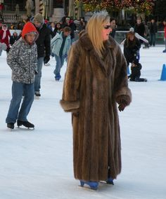 https://i.pinimg.com/736x/ec/ae/cb/ecaecb34178b4e125f34f8da3a0bdd45--fur-coats-animal-cruelty.jpg