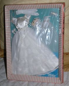 BARBIE'S 1964 BRIDES DREAM # 947 MINT IN THE ORIGINAL BOX.
