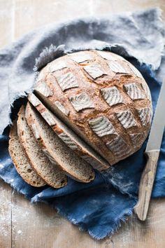 The worker's bread comes with only two rice grains of yeast. And evolves over time to a wonderfully airy bread. The post The worker's bread contains just two rice grains of yeast. appeared first on Daisy Dessert. Pizza Recipes, Rice Recipes, Bread Recipes, Baking Recipes, Quick Rolls, Kenwood Cooking, Homemade Rolls, Pizza Hut, Rice Grain