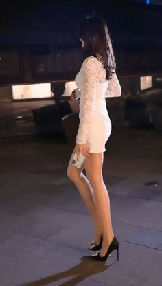 White Dress, Legs, Dresses, Jewelry, Fashion, Vestidos, Moda, Jewlery, Jewerly