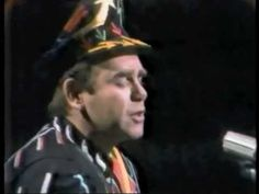Elton John - Sartorial Eloquence (Live on the Tomorrow Show in 1980)
