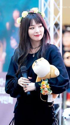 Seulgi    Why so pretty omg!