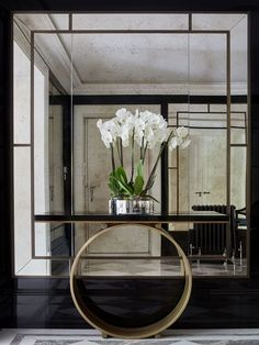 15 Astonishing Foyer Mirrors for a Welcoming Home
