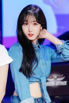 Gfriend At Sudden Attack 3 181026 Cr: owner South Korean Girls, Korean Girl Groups, Sinb Gfriend, Fan Picture, G Friend, Cosmic Girls, Beautiful Asian Girls, Kpop Girls, Cute Girls