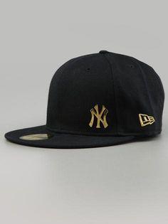 New Era New York Yankeesv Seame Flaw Navy Gold Nur bis Sonntag (28.07) 25%  Rabatt auf alle Caps von New Era! Besuche unseren Shop auf  www. 9dba5d8ce0