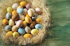 Use these herbs and food to naturally dye Easter eggs