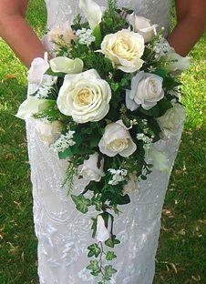 White roses #bridalboquet