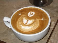 Frosty The CoffeeMan -  wonderful skill in coffee art