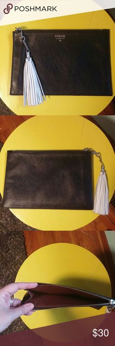 """Fossil leather zipper tablet clutch New without tags. 9"""" by 6"""" Perfect for small tablet or kindle. I've had it a while, just never actually used it. Fossil Bags Clutches & Wristlets"""