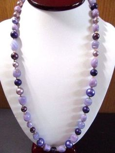 FANCY-MOLDED-PURPLE-PLUM-ART-GLASS-BEADED-NECKLACE-FAUX-GLASS-PEARLS-VINTAGE
