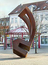 Haus mit durchbrochener Form (1997), Skulpturen-Rundgang Schorndorf