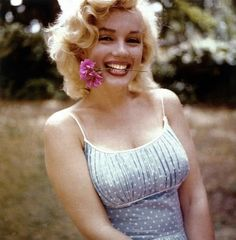 marilyn-monroe-  flower child