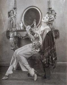 Fashion, 1920s (1)