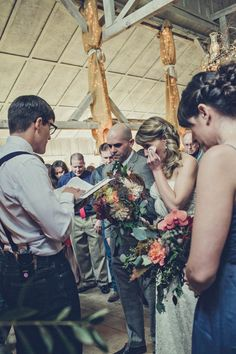 Emotional wedding ceremony moment | Photo by Paco & Betty