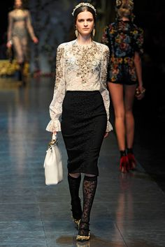 Dolce & Gabbana Fall 2012 RTW - Runway Photos - Fashion Week - Runway, Fashion Shows and Collections - Vogue - Vogue