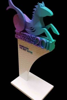 г Trophies And Medals, Award Plaques, Trophy Design, Cosmetic Display, Corporate Gifts, Signage, Projects To Try, Graphic Design, Lights