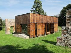 A young family seeking a peaceful rural getaway selected a property in the northern Czech countryside. Once part of a farm, the property held the remains of a large barn which had decayed to the po…