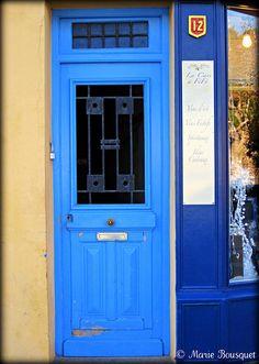 gotta love blue doors