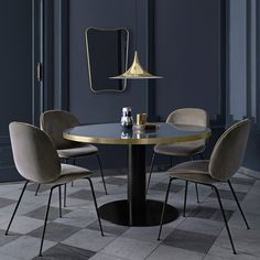 A small dining room can also be beautiful and luxurious if you choose the perfect dining table or just change your dining chairs. Today Modern Dining Tables will give you some tips for you to improve Small Dining, Round Dining Table, Dining Chairs, Dining Rooms, Round Tables, Room Chairs, Beetle Chair, Living Divani, Dark Interiors