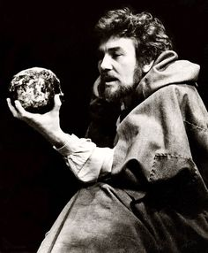 Albert Finney as Hamlet  This production from 1975 at the National Theatre, then still housed at the Old Vic, was directed by Peter Hall, and starred Albert Finney as Hamlet. It then transferred to the new National building where it opened in the Lyttleton Theatre. Finney was a stocky, untidy, decidedly unromantic Hamlet, in a straightforward full text production.