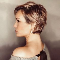 Best Womens Hairstyles For Fine Hair – HerHairdos Short Hair With Layers, Short Hair Cuts For Women, Layered Hair, Short Hair Styles, My Hairstyle, Fringe Hairstyles, Straight Hairstyles, Trendy Hairstyles, Wedding Hairstyles