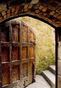 Doors: craftsmanship from the past