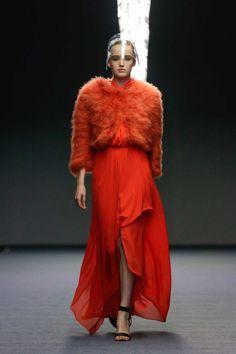 Carla Zampatti Ready-To-Wear S/S gallery - Vogue Australia Carla Zampatti, Runway 2015, High Fashion, Womens Fashion, Vogue Australia, Australian Fashion, Shades Of Red, Signature Style, Nice Dresses